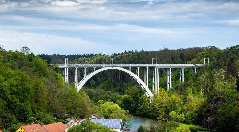 Most Běchyňská-duha w Czechach
