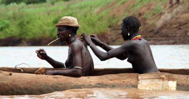 Rzeka Omo, ludzie z plemienia Dassenech